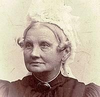 Elisabeth Melchior var Søren Bekkers datterdatter. Hun var skolelærer i Frørup efter sin mand, skolelærer og kirkesanger Heinrich Matthias Sauls død.