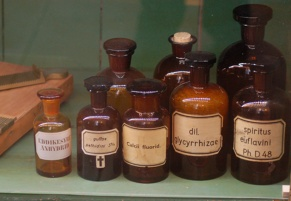 Gamle medicin-flasker