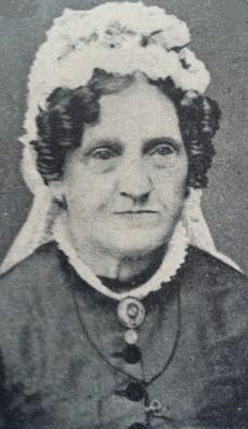 Emma Deonora Augusta Techt (1819-89) var gift med Frederik Moe.